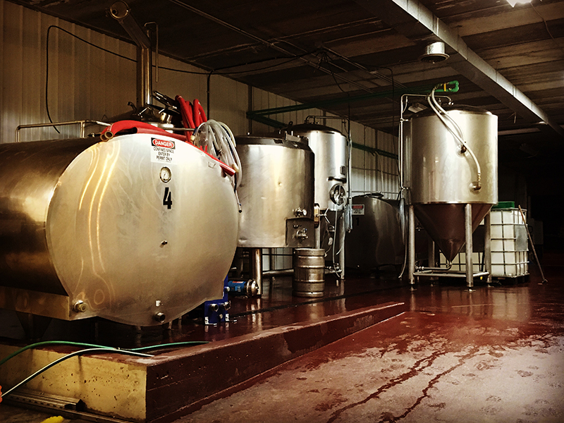 Luppolo_Brewing_Company_Vancouver_Brewery_01