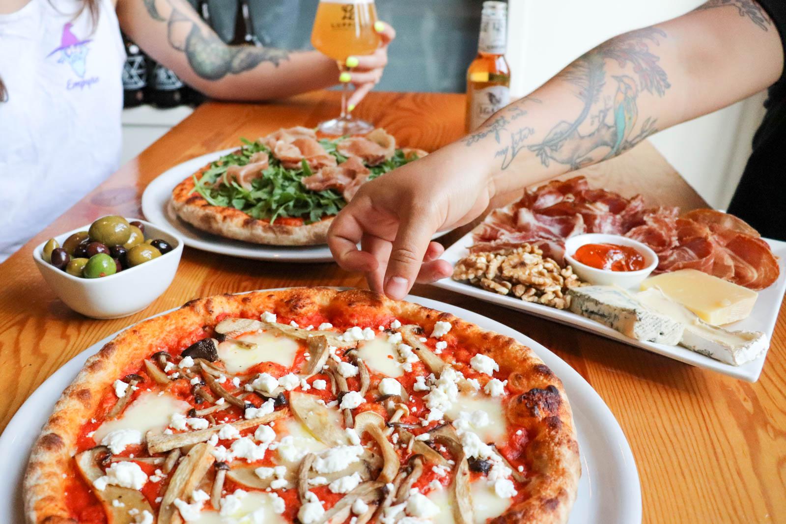 Pizza-and-aperitivi-mordimi-luppolo-brewing-vancouver